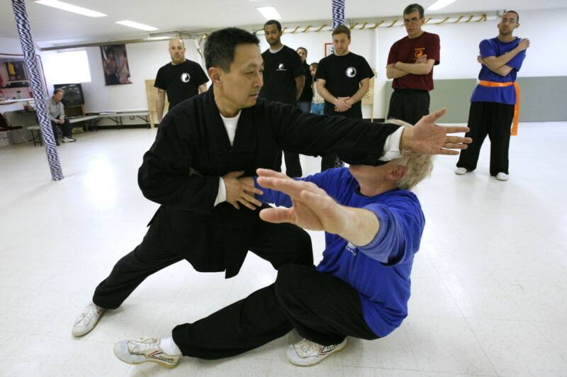 Xinyi-Dao Kung Fu application demonstrated by Grandmaster Li Tai Liang