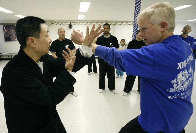 Xinyi-Dao Kung Fu blocking a punch demonstrated by Grandmaster Li Tai Liang